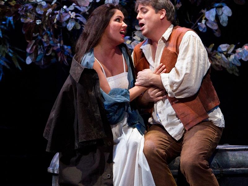 Metropolitan Opera: DONS PASKVĀLE