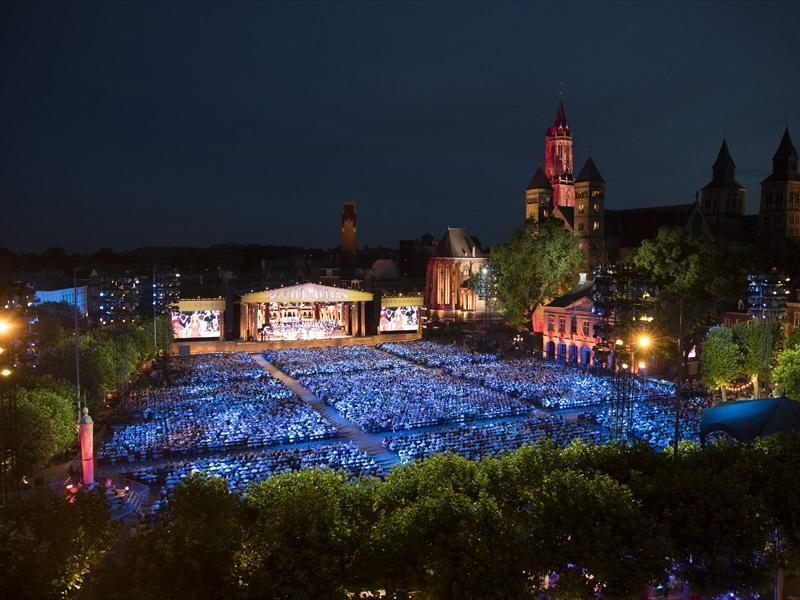 Andr rieu 39 s 2017 maastricht concert forum cinemas - Maastricht mobel ...