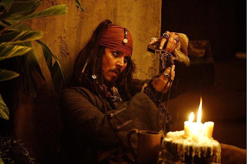 Karību jūras pirāti: Miroņa lāde