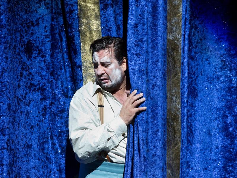 Metropolitan Opera: СЕЛЬСКАЯ ЧЕСТЬ   ПАЯЦЫ
