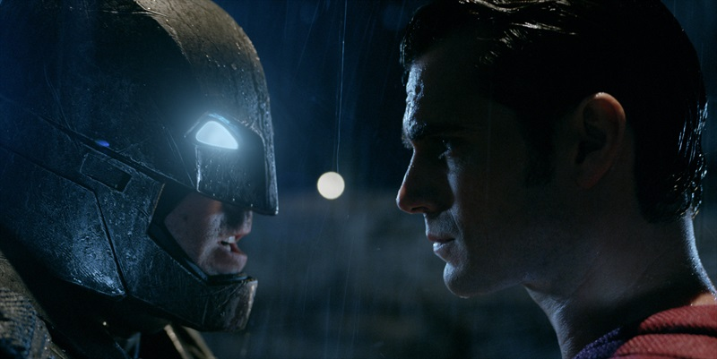 Betmens pret Supermenu: Taisnības rītausma