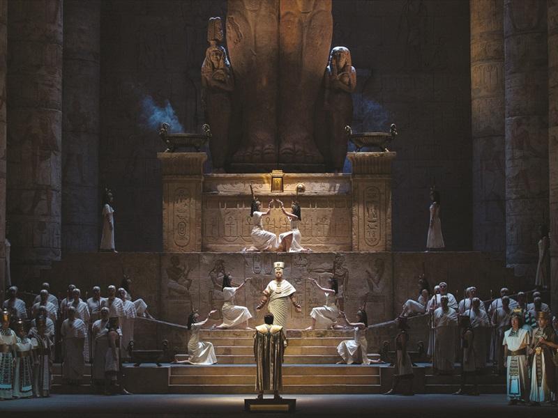 Metropolitan Opera: AĪDA