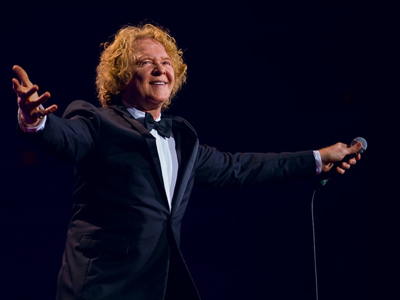 SIMPLY RED: Symphonica in Rosso