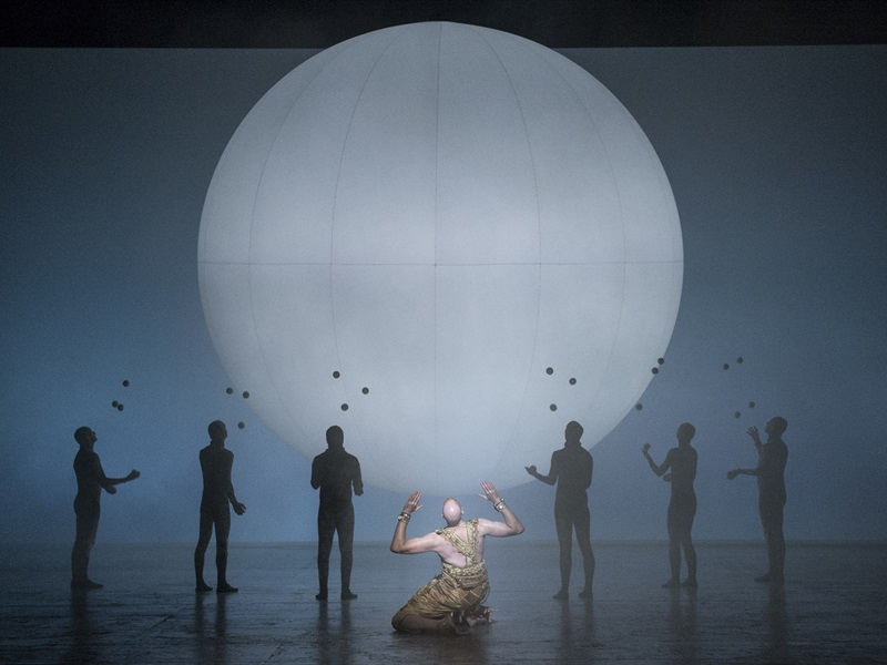 Metropolitan Opera: AKHNATEN